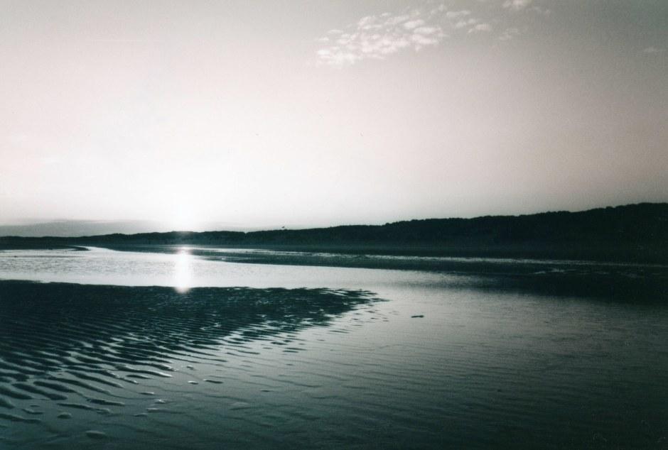 beach,sussex,camber,sand,dunes,black,white,photography,35mm,sea,sun,dusk