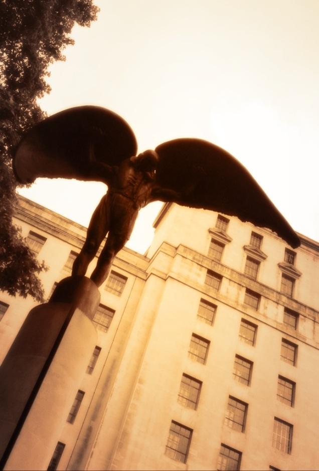 urban,city,london,architecture,buildings,sculpture,public,war,memorial