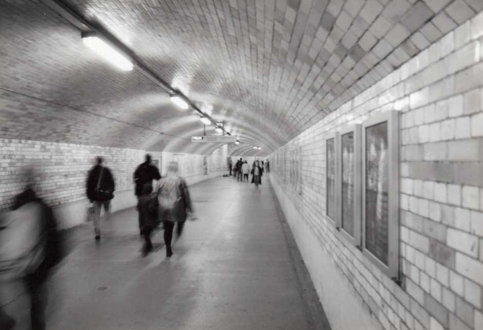 black,white,urban,city,underground,street,london,35mm